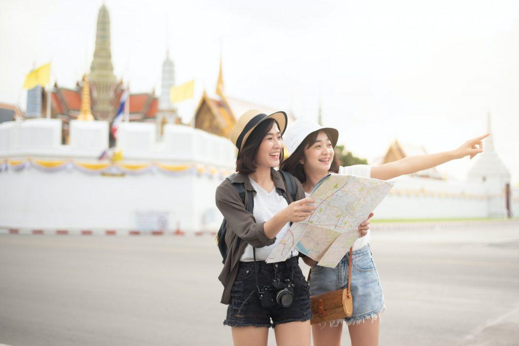 asian women tourists